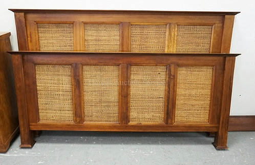 ETHAN ALLEN KING SIZE BED WITH WOVEN PANELS. HEADBOARD MEASURES 50 INCHES HIGH.