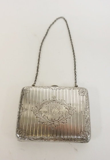 STERLING SILVER PURSE W/ENGRAVED LEAF AND FLOWER BORDER. MONOGRAMMED. 3 3/4 IN X