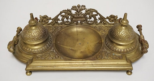 VICTORIAN CAST BRASS DOUBLE INKWELL. 11 1/4 INCHES WIDE.