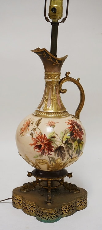 PORCELAIN TABLE LAMP WITH A EWER BODY DECORATED WITH CHRYSANTHEMUMS. 30 1/4 INCH