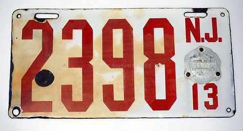 1913 NEW JERSEY PORCELAIN ENAMEL LICENSE PLATE. HAS SOME WEAR ON THE EDGES INCLU
