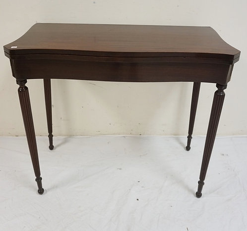 CHARAK MAHAOGANY FLIP TOP GAME TABLE WITH TURNED AND FLUTED LEGS. 35 1/2 INCHES