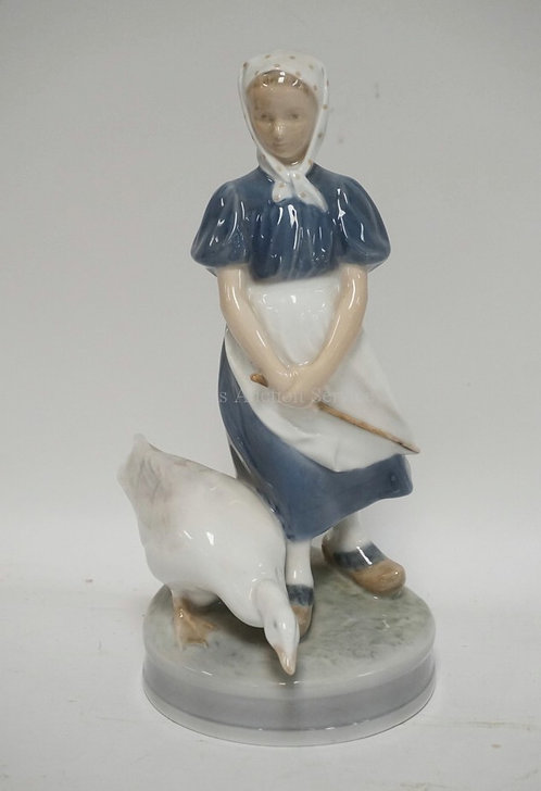 ROYAL COPENHAGEN #527 PORCELAIN FIGURE OF A WOMAN WITH A GOOSE. 9 1/4 INCHES HIG