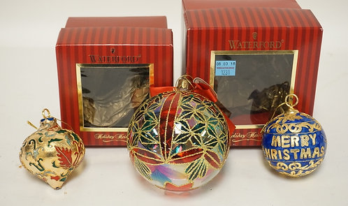 3 WATERFORD CHRISTMAS ORNAMENTS. 2 WITH BOXES.