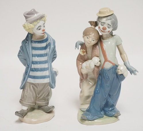 LOT OF 2 LLADRO PORCELAIN CLOWN FIGURES. 8 3/4 INCHES HIGH.