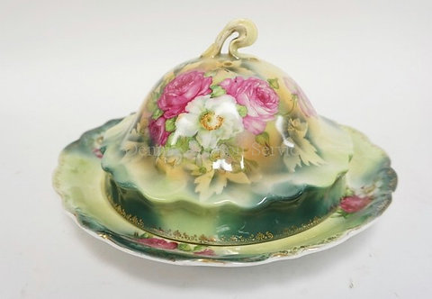 ES PROV SAXE (RS PRUSSIA RELATED) PORCELAIN COVERED DISH DECORATED WITH FLOWERS.
