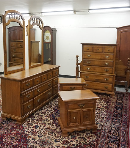 CUSHMAN 5 PIECE BEDROO, SET. LOW CHEST WITH 2 MIRRORS, HIGH CHEST, 2 NIGHTSTANDS