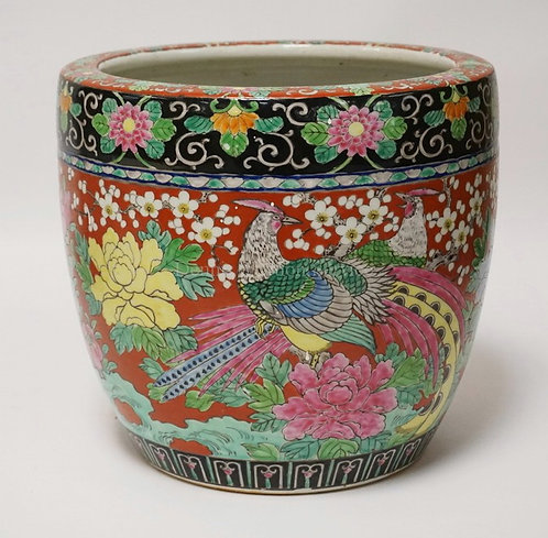JAPANESE PORCELAIN PLANTER DECORATED WITH PHOENIX AND FLOWERS. 11 INCHES HIGH. 1