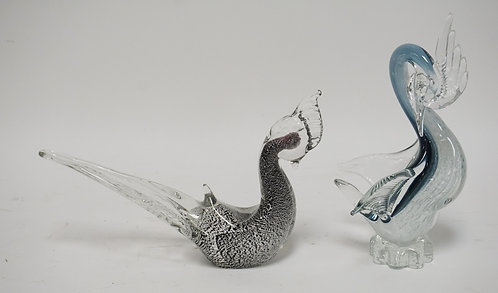 LOR OF 2 MURANO STYLE ART GLASS BIRDS. 10 1/4 INCHES HIGH.