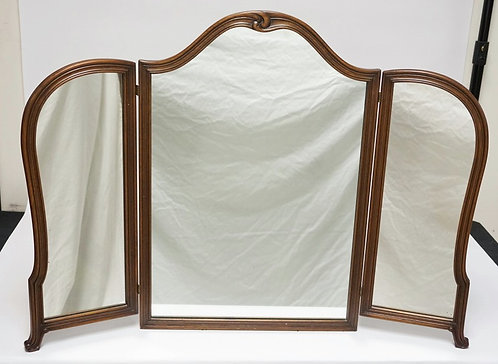BERKEY & GAY TRIPTYCH MIRROR MEASURING 27 1/2 INCHES HIGH.38 1/2 INCHES WIDE.