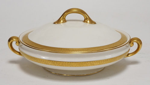 GREEN MARK LENOX COVERED TUREEN WITH GOLD TRIM. RETAILERS MARK OF OVINGTON BROS.