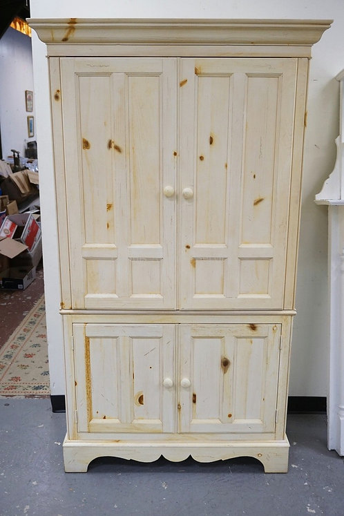 ETHAN ALLEN ENTERTAINMENT CABINET IN WHITEWASHED PINE. 45 INCHES WIDE. 78 INCHES