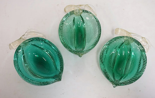 LOT OF 3 ART GLASS FRUIT FORM BOWLS DECORATED WITH GOLD FLECK AND CONTROLLED BUB