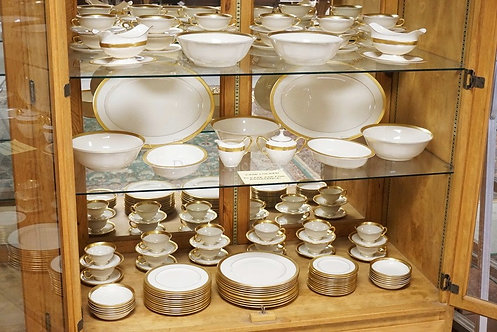 107 PIECE LENOX *LOWELL* PATTERN DINNERWARE SET. BREAKDOWN AVAILABLE UPON REQUES