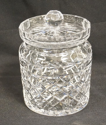 WATERFORD CRYSTAL BISCUIT JAR WITH LID. 6 1/2 INCHES HIGH.