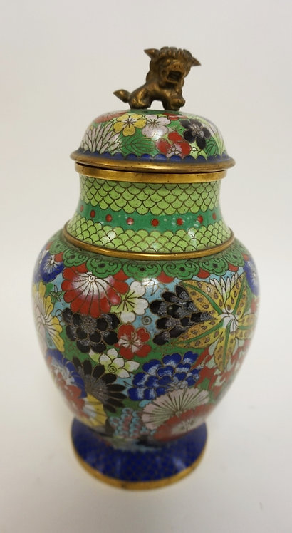 COLORFUL CLOISONNE COVERED JAR W/FOO DOG FINIAL. 8 1/2 IN H