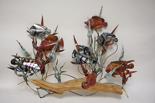 METAL WALL SCUPTURE OF FISH AND SEAWEED. 35 X 25 INCHES.