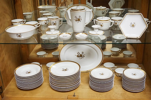 72 PIECE ROYAL COPENHAGEN PATTERN #1112 DINNERWARE SET. BREAKDOWN AVAILABLE. LAR