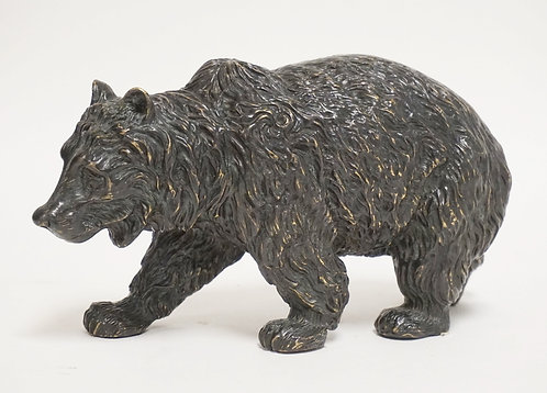 MAITLAND SMITH BRONZE SCULPTURE OF A WALKING BEAR. 10 INCHES LONG. 5 1/2 INCHES