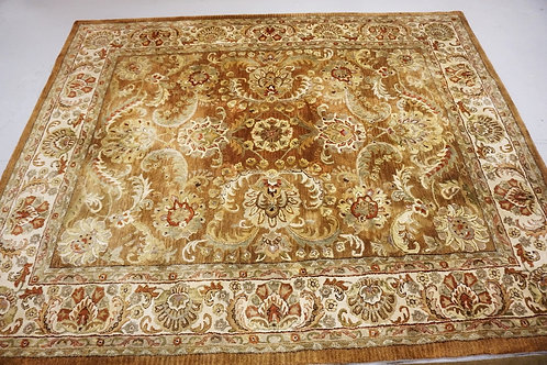 ROOM SIZE ORIENTAL RUG MEASURING 7 FT 10 X 9 FT 9 INCHES.