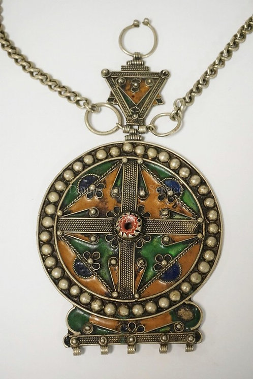 NORTH AFRICAN PENDANT WITH CHAIN HAVING ENAMELED DECORATIONS. SOME LOSSES. PENDA
