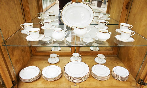 63 PC ROYAL DOULTON *CAMBRIDGE* DINNERWARE