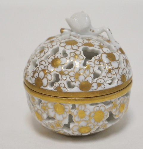 HEREND RETICULATED SMALL COVERED JAR WITH GOLD TRIM AND ROSE FINIAL 2 1/4 IN H