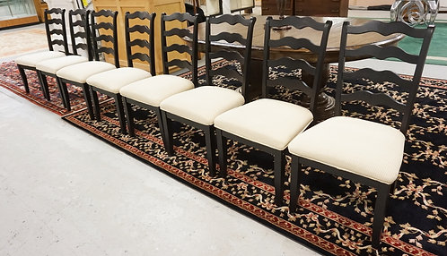 SET OF 8 DINING CHAIRS WITH UPHOLSTERED SEATS.
