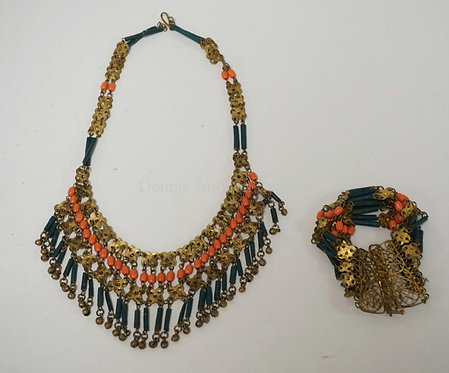 NORTH AFRICAN BEADED JEWELRY. NECKLACE AND BRACELET WITH CORAL.