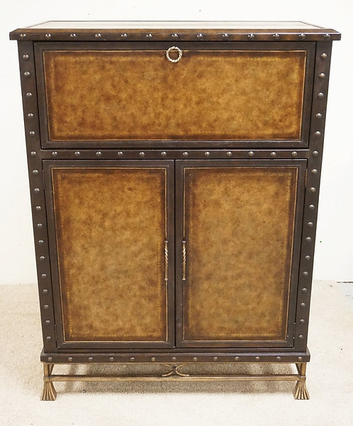 CONTEMPORARY BAR CABINET WITH A LEATHER STYLED FINISH AND LEATHER BOUND EDGES. 5