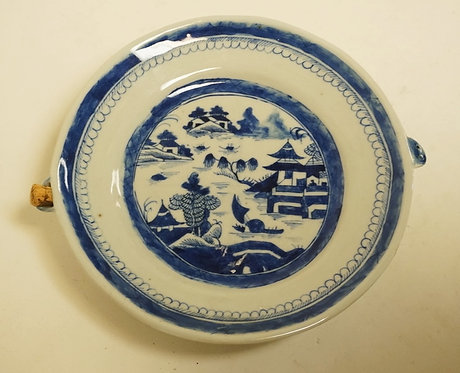 ASIAN BLUE & WHITE WARMING PLATE. 10 1/2 INCHES WIDE.
