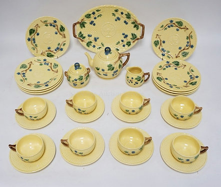 TIFFANY & COMPANY PORCELAIN TEA SET MADE IN PORTUGAL. BLACKBERRY PATTERN CONSIST