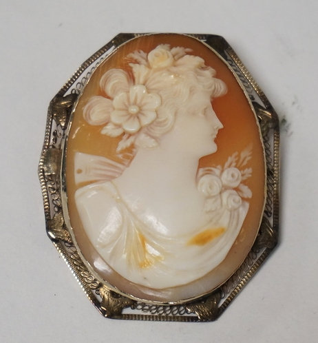 14K GOLD CARVED CAMEO BROOCH/PENDANT. 1 7/8 X 1 1/2 INCHES.