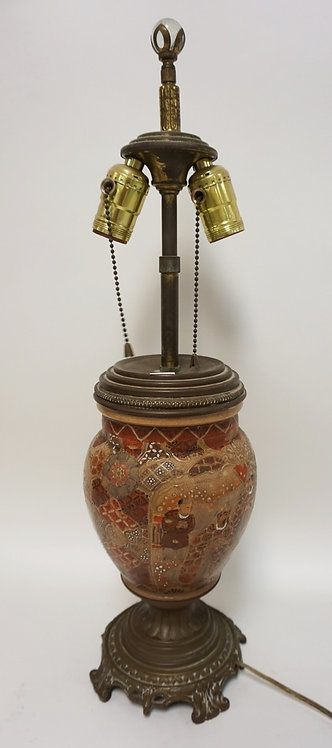 ASIAN PORCELAIN LAMP WITH BRONZE MOUNTS. 22 1/2 INCHES HIGH.