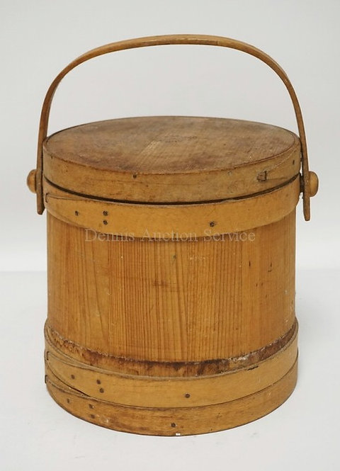 WOODEN FIRKIN WITH LID. 13 1/2 INCHES HIGH.
