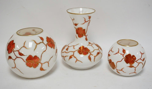 GROUP OF 3 RAINBOW ART CO DOGWOOD PATTERN VASES ON CONSOLIDATED BLANKS. CIRCA 19