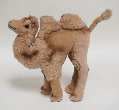 STEIFF CAMEL MEASURING 11 1/4 INCHES HIGH.