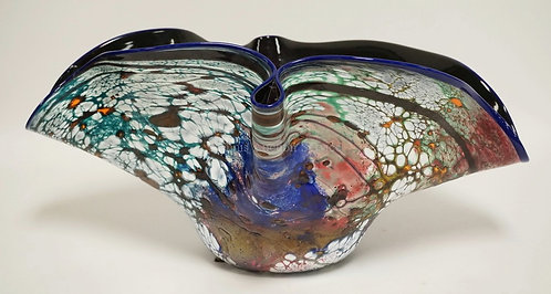 LARGE FREE FORM ART GLASS BOWL. ARTIST SIGNED. 19 1/4 INCHES WIDE. 13 INCHES DEE
