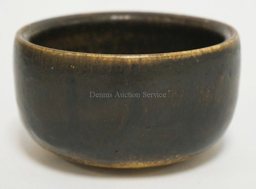 GOTTLIND WEIGEL ART POTTERY BOWL WITH A DRIP GLAZE MEASURING 4 1/4 INCHES WIDE.