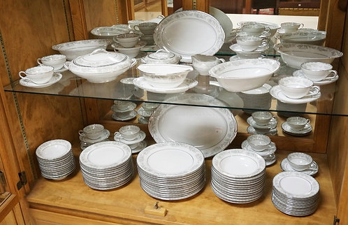 100 PIECE NORITAKE *BELMONT* DINNERWARE. COMPLETE SERVICE FOR 12 PLUS EXTRAS AND