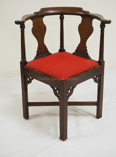 MAHOGANY BARREL BACK CORNER CHAIR WITH URN SPLATS. 31 1/2 INCHES HIGH. 25 1/4 IN