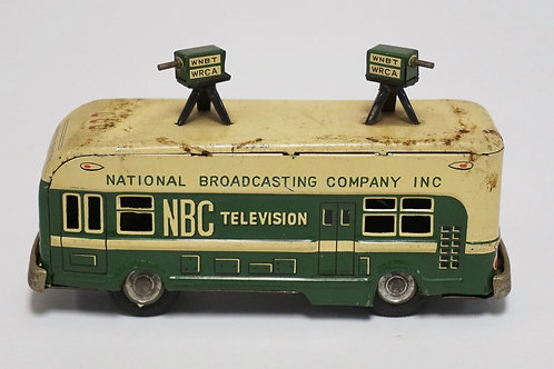 VINTAGE JAPANESE TIN FRICTION NBC TELEVISION TRUCK WITH CAMERAS. 6 1/4 INCHES LO