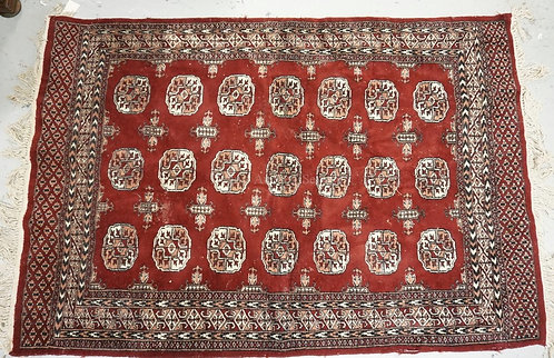 ORIENTAL THROW RUG MEASURING 4 FT X 5 FT 11 INCHES.