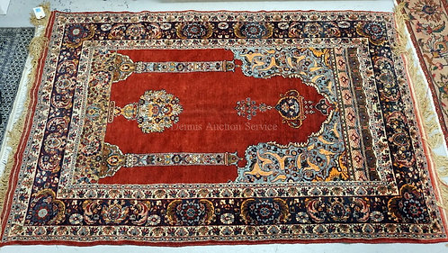 EXCEPTIONALLY FINE ORIENTAL RUG WITH DECORATIONS OF COLUMNS AND URNS. 4 FT 1 X 6