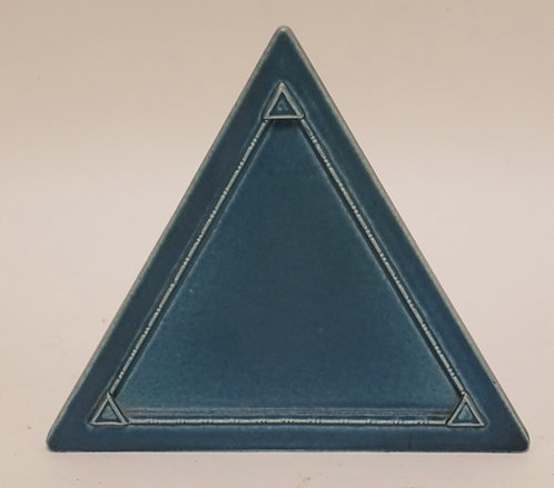ROOKWOOD POTTERY TRIANGULAR FRAME MEASURING 6 1/2 INCHES HIGH.