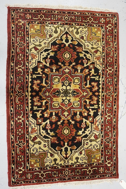 HAND WOVEN ORIENTAL THROW RUG MEASURING 3 FT 1 X 4 FT 10 INCHES.