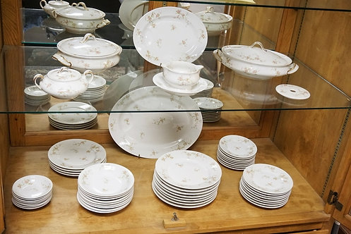 51 PIECE ANTIQUE THEODORE HAVILAND LIMOGES PARTIAL DINNERWARE SET. LARGEST PLATT