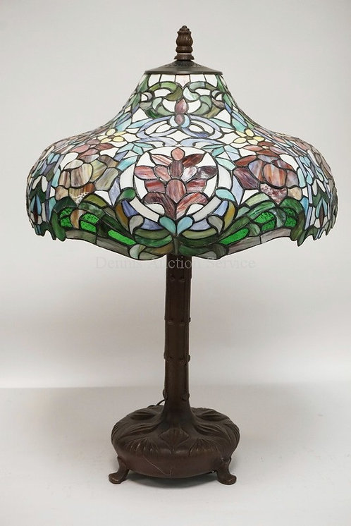 CONTEMORARY LEADED TABLE LAMP. 30 1/2 INCHES HIGH.