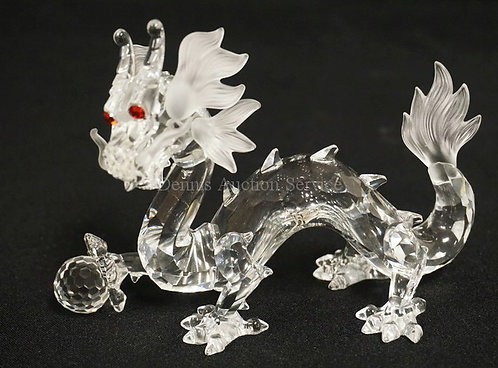 SWAROVSKI CRYSTAL FIGURE. ANNUAL EDITION *FABULOUS CREATURES - THE DRAGON*. WITH