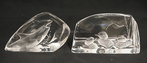 LOT OF 2 MATS JONASSON SWEDISH CRYSTAL FIGURES. TALLEST IS 4 3/4 INCHES HIGH.